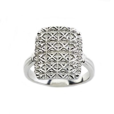 "Sterling Silver ""The Victoria"" style Mary Kay ring"